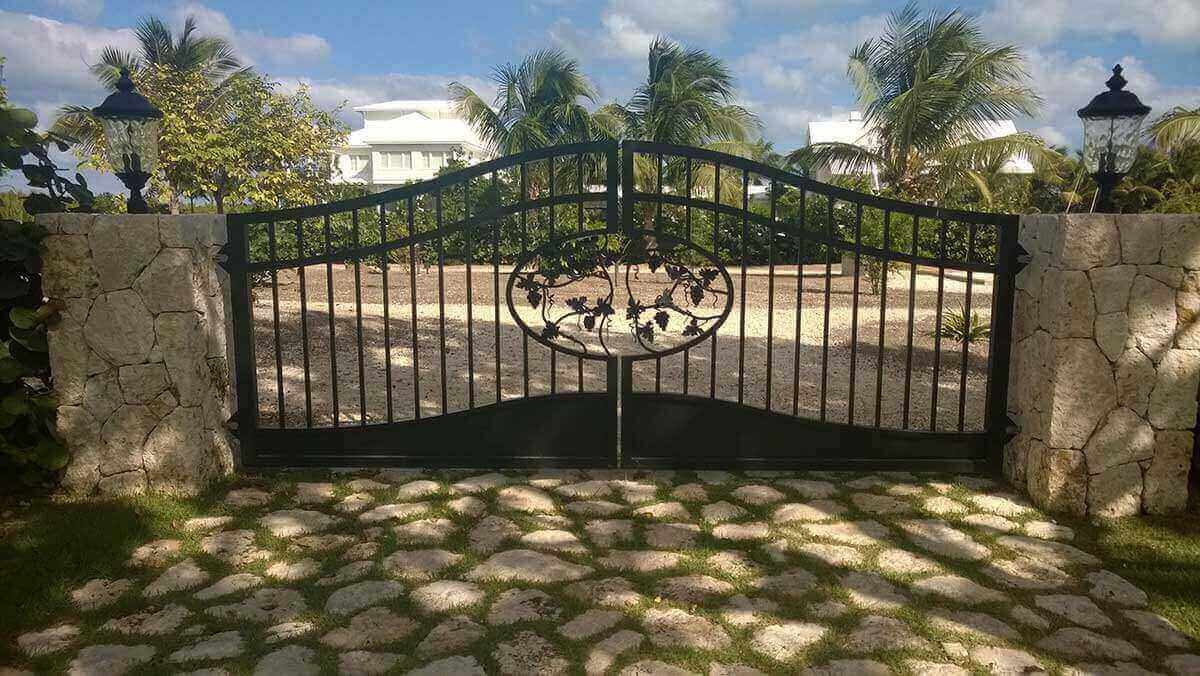 Designing and Installing Gates in Cayman Islands - Image3